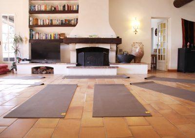 Cours de yoga en salle